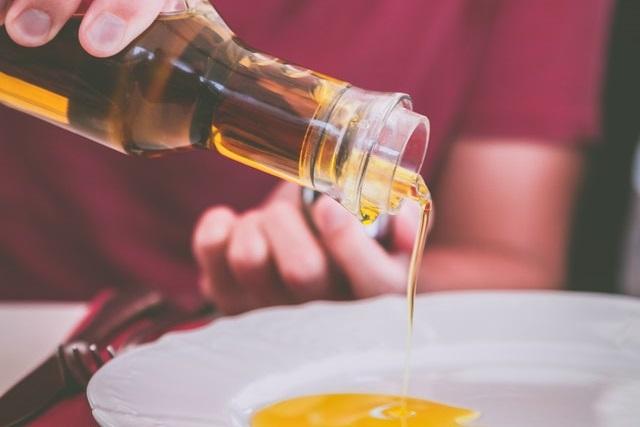 Olej z butelki